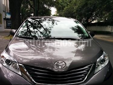 Foto venta Auto usado Toyota Sienna LE 3.5L (2013) color Gris Oscuro precio $245,000