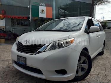 Foto venta Auto Seminuevo Toyota Sienna LE 3.5L (2012) color Blanco precio $240,000