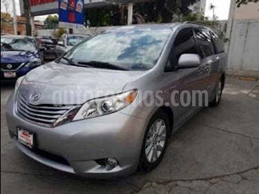 Toyota Sienna Limited 3.3L usado (2011) color Plata precio $259,000