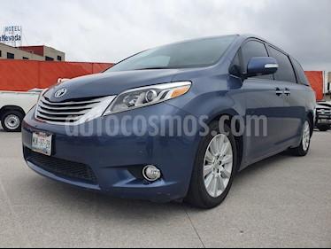 Foto venta Auto usado Toyota Sienna Limited 3.3L (2015) color Azul precio $465,000
