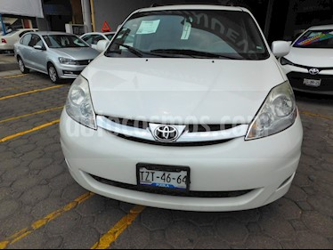 Foto venta Auto usado Toyota Sienna Limited 3.3L (2010) color Blanco precio $210,000