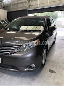 Toyota Sienna Limited 3.5L usado (2011) color Gris Oscuro precio $249,000