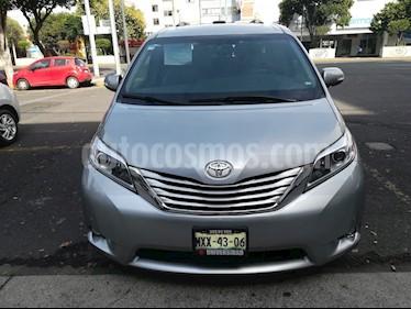 Foto venta Auto usado Toyota Sienna Limited 3.5L (2016) color Plata precio $540,000