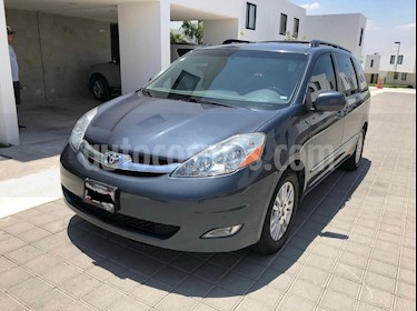 Foto venta Auto usado Toyota Sienna Limited 3.5L (2010) color Gris precio $180,000