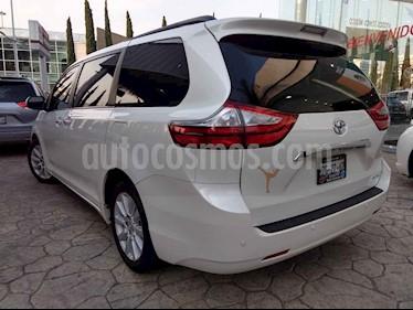 Foto venta Auto usado Toyota Sienna Limited 3.5L (2017) color Blanco precio $615,000