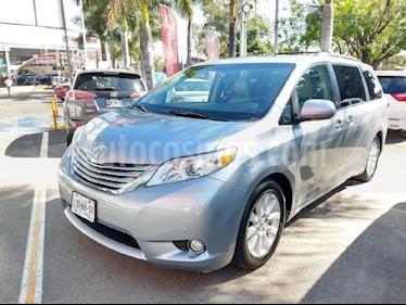 Foto venta Auto usado Toyota Sienna Limited 3.5L (2011) color Plata precio $263,000