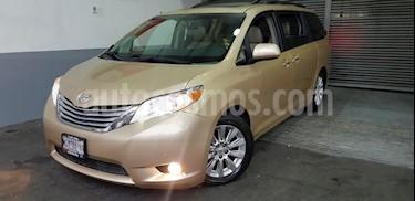 Foto venta Auto usado Toyota Sienna Limited 3.5L (2011) color Dorado precio $254,900