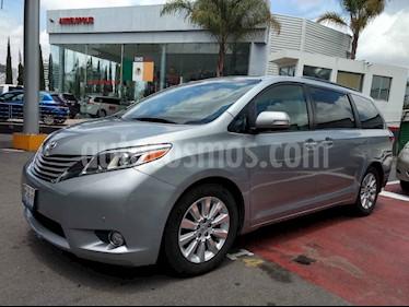 Foto venta Auto usado Toyota Sienna Limited 3.5L (2015) color Plata precio $415,000