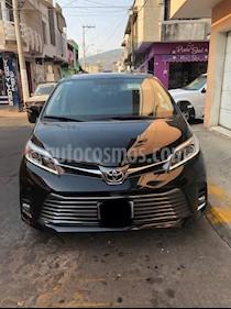 Foto venta Auto usado Toyota Sienna Limited 3.5L (2018) color Negro precio $639,000