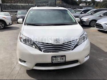 Foto venta Auto usado Toyota Sienna Limited 3.5L (2012) color Blanco precio $330,000