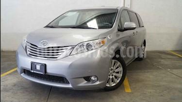 Foto venta Auto usado Toyota Sienna Limited 3.5L (2014) color Plata precio $350,000