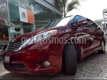 Foto venta Auto Seminuevo Toyota Sienna Limited 3.5L (2014) color Rojo precio $415,000