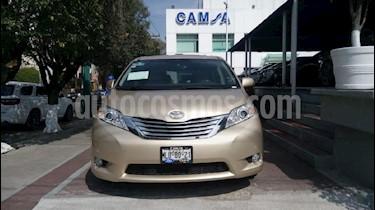 Foto venta Auto Seminuevo Toyota Sienna Limited 3.5L (2012) color Dorado precio $284,900