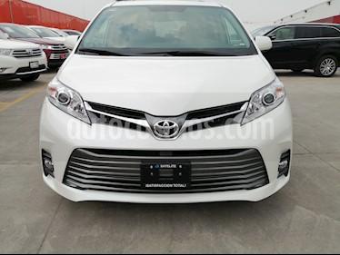 Toyota Sienna XLE 3.5L Piel usado (2020) color Blanco Perla precio $667,000