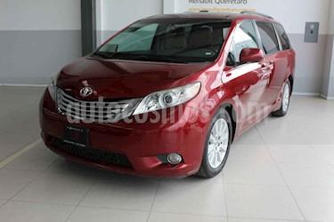 Toyota Sienna 5p XLE aut piel usado (2012) color Rojo precio $245,000