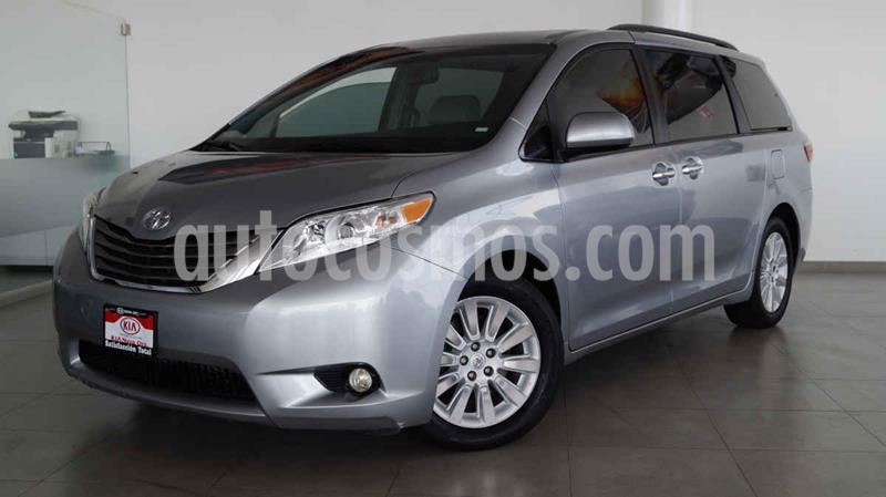 Toyota Sienna XLE 3.5L Piel usado (2016) color Plata precio $405,000