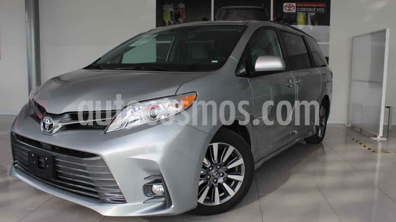 Toyota Sienna XLE 3.5L usado (2020) color Plata precio $675,000