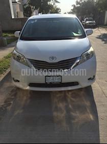 Toyota Sienna XLE 3.5L usado (2012) color Blanco precio $211,000