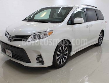 Toyota Sienna 5p XLE V6/3.5 Aut Q/C Piel usado (2018) color Blanco precio $439,000