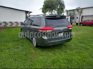 Toyota Sienna XLE 3.3L usado (2014) color Verde precio $310,000