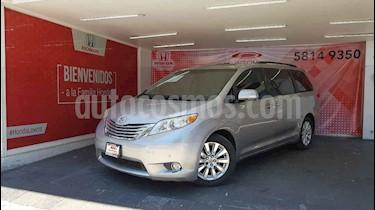 Toyota Sienna Limited 3.3L usado (2011) color Plata precio $220,000