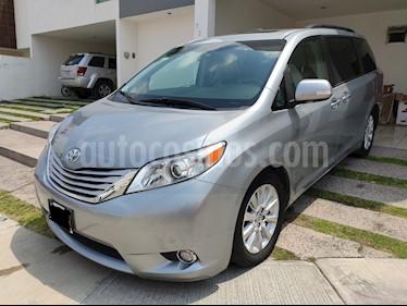Toyota Sienna Limited 3.5L usado (2014) color Plata precio $340,000