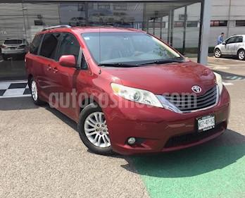 Toyota Sienna XLE 3.5L Piel usado (2012) color Rojo precio $245,000
