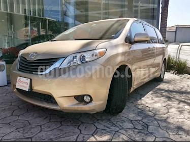 Foto Toyota Sienna XLE 3.5L usado (2015) color Dorado precio $270,000