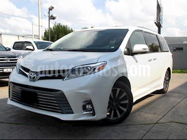 Toyota Sienna Limited 3.5L usado (2020) color Blanco precio $760,600