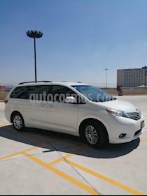 Toyota Sienna XLE 3.3L usado (2015) color Blanco precio $345,000