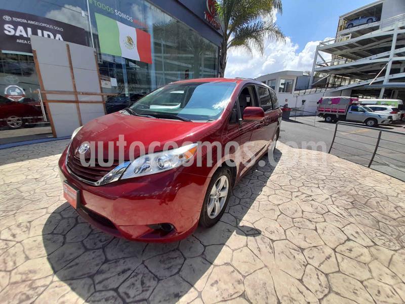 Toyota Sienna LE 3.5L usado (2016) color Rojo precio $345,000