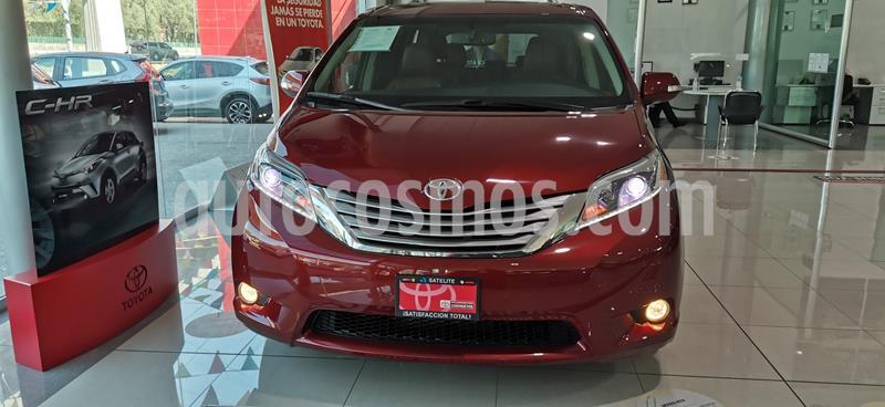 Toyota Sienna Limited 3.5L usado (2015) color Rojo Obscuro precio $445,000