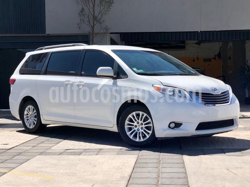 Toyota Sienna XLE 3.5L usado (2015) color Blanco precio $299,000