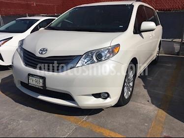 Toyota Sienna XLE 3.5L usado (2017) color Plata precio $442,000