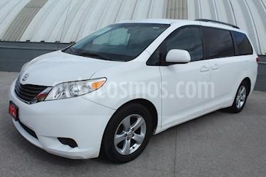 Toyota Sienna LE 3.3L usado (2011) color Blanco precio $199,000