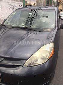 Toyota Sienna CE 3.5L usado (2006) color Gris precio $92,000