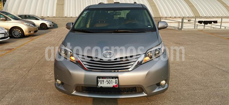 Toyota Sienna Limited 3.5L usado (2015) color Plata precio $385,000
