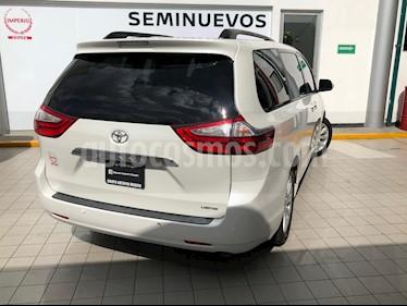 Toyota Sienna LE 3.5L usado (2017) color Blanco Perla precio $569,000