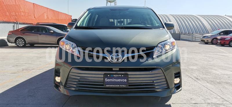 Toyota Sienna XLE 3.5L usado (2020) color Verde precio $604,900