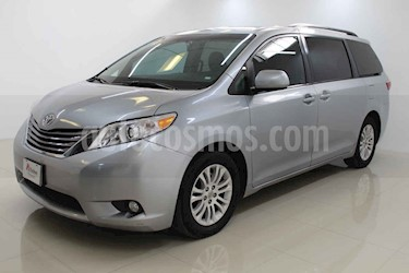 Toyota Sienna 5p XLE V6/3.5 Aut usado (2016) color Plata precio $320,000