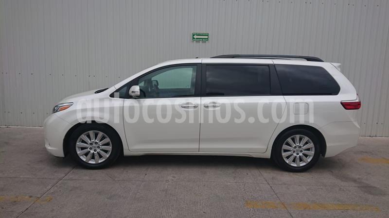 Toyota Sienna Limited 3.5L usado (2015) color Blanco precio $369,000