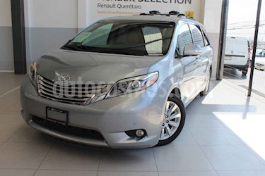 Toyota Sienna 5p Limited V6/3.5 Aut usado (2015) color Plata precio $338,000