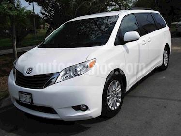 Toyota Sienna XLE 3.5L usado (2014) color Blanco precio $239,000