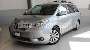 Toyota Sienna Limited 3.3L usado (2015) color Plata precio $360,000