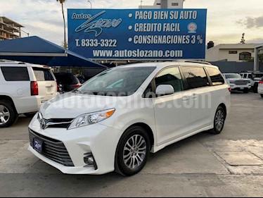 Toyota Sienna XLE 3.5L usado (2019) color Blanco precio $499,900