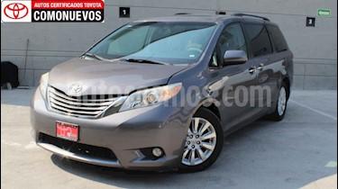Toyota Sienna 5p XLE aut usado (2013) color Gris precio $250,000