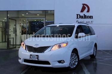 Foto Toyota Sienna XLE 3.3L Piel usado (2012) color Blanco precio $275,000
