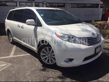 Toyota Sienna XLE 3.5L Piel usado (2013) color Blanco precio $350,000