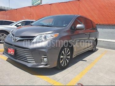 Toyota Sienna XLE 3.5L Piel usado (2018) color Gris precio $515,000