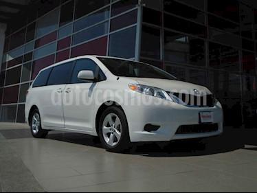 Toyota Sienna XLE 3.5L usado (2015) color Blanco precio $379,000
